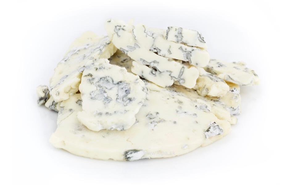 modry syr odrezky